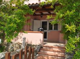 vendesi villetta a schiera centro Porto Rotondo Sardegna
