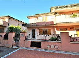 Villa a schiera 200 mq  in Vendita a Olbia